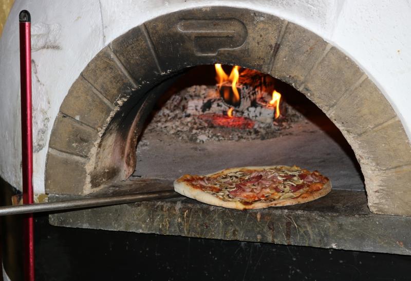 Holzofenpizzas